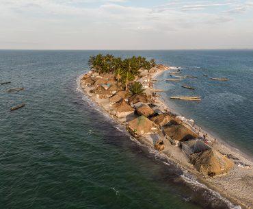 Wereldprimeur: Columbus Travel zet als eerste reismagazine voet op de Turtle Islands